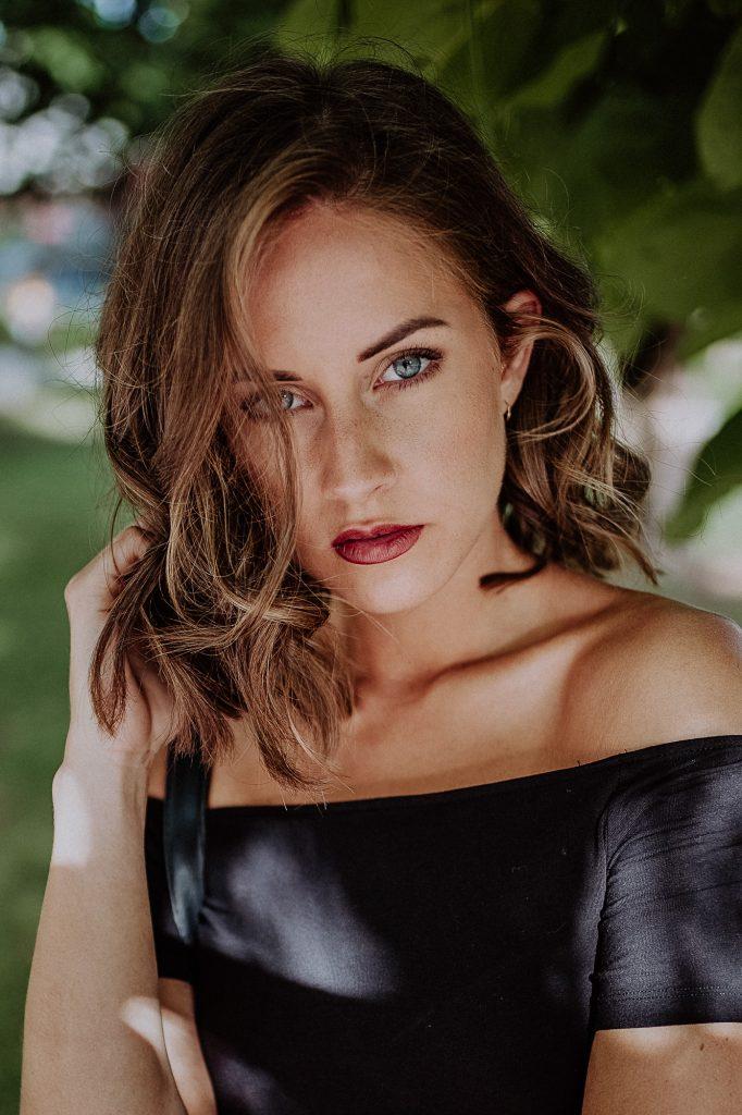 Portrait von Nadine